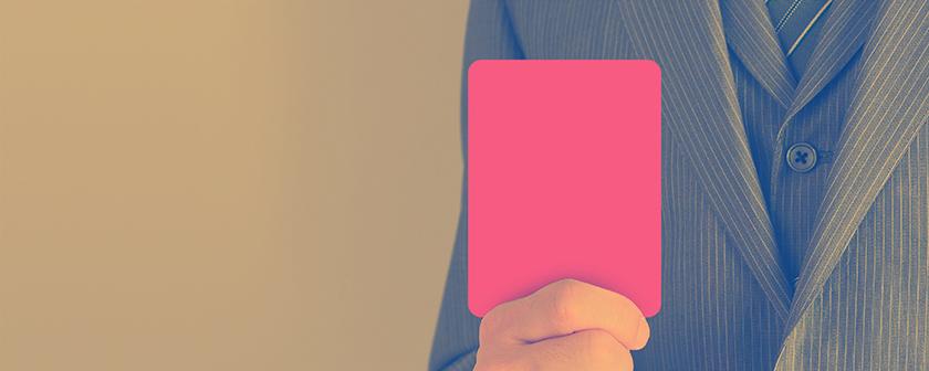 罪を犯した弁護士にレッドカードを突きつける